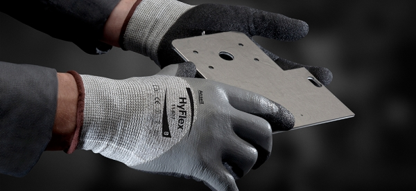 Oil repellent, cut resistant glove