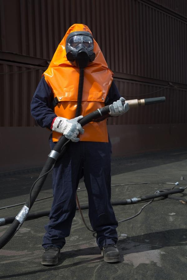 Abrasive blast respirator