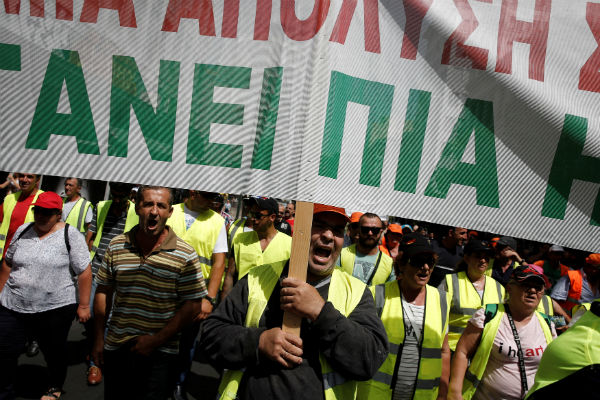 Trash pile grows as Greek garbage workers protest