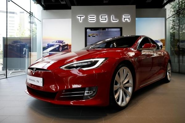 Tesla's safety 'worse than sawmills and slaughter houses': Workers