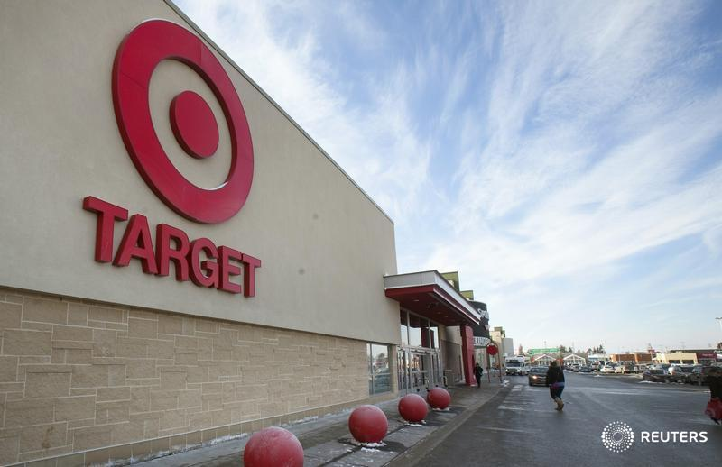 Target raises minimum hourly wage