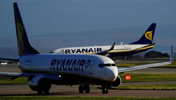 Ryanair makes pay offer as union deals prove elusive