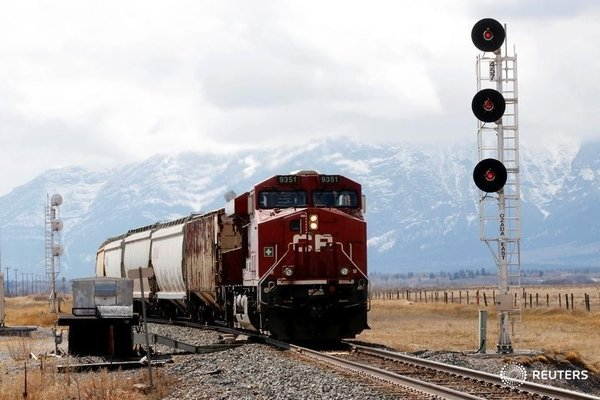 CP conductor dies on the job in Calgary