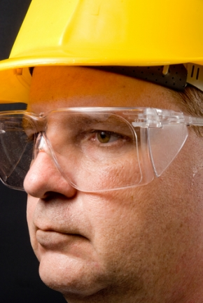 Top tips for developing workplace eye safety program