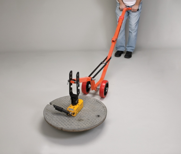 Magnetic manhole lid lifter
