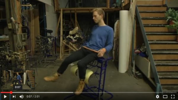 Dynamic desk chair turns body into computer mouse