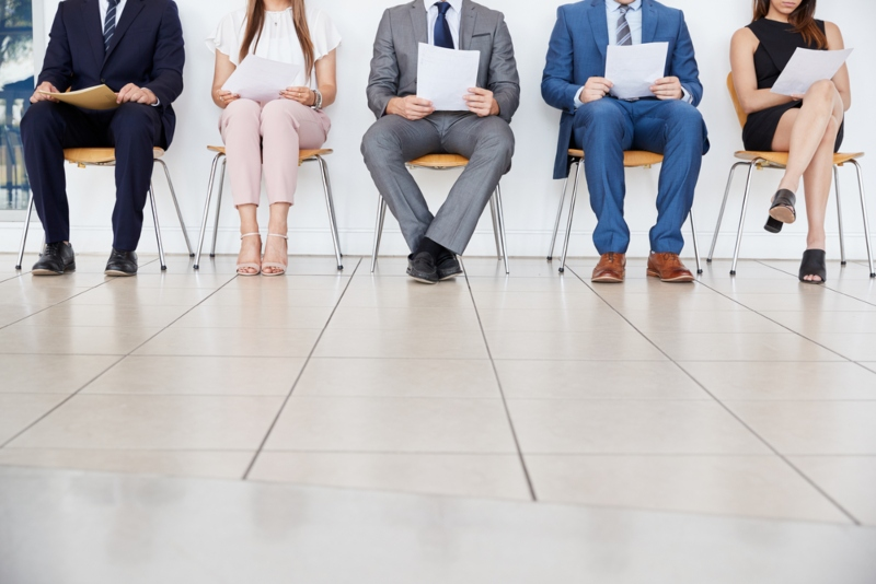 One-third of managers prefer candidates wear suits in interviews