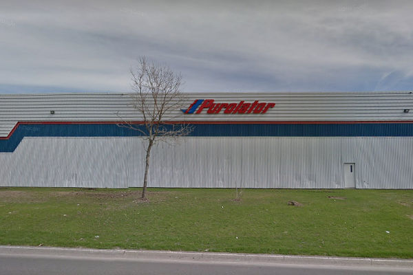 Workers reject final offer from Purolator in Quebec