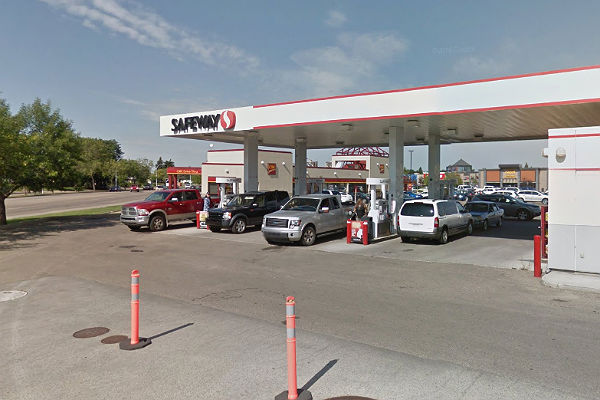 Workers at Safeway Gas Bars in Edmonton sign 3-year deal