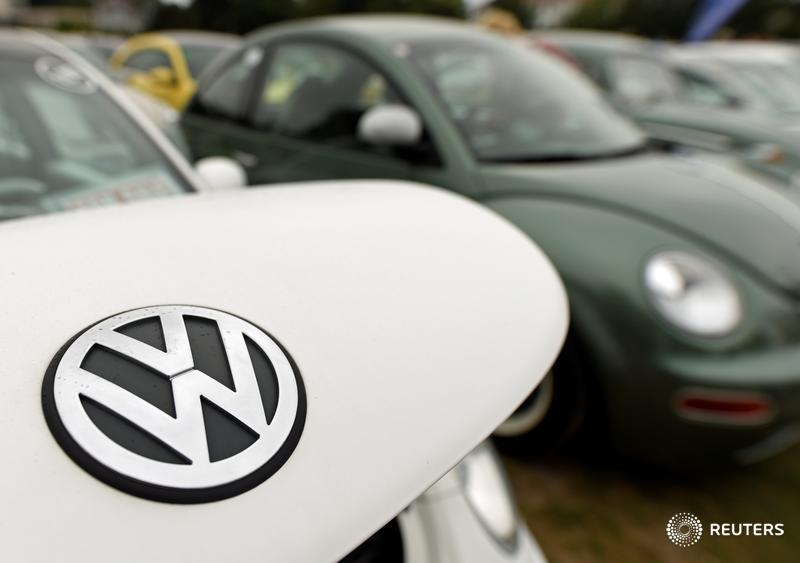 VW expects deal with staff on cost cuts in coming weeks