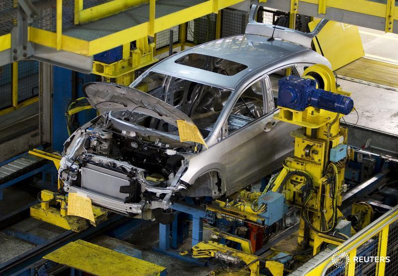 Canada manufacturing sales up more than expected in Sept