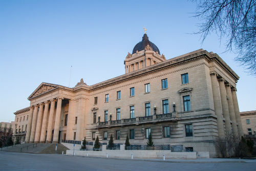 Manitoba premier wants fewer bargaining units