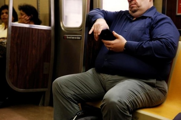 Sitting less linked to lower risk of diabetes