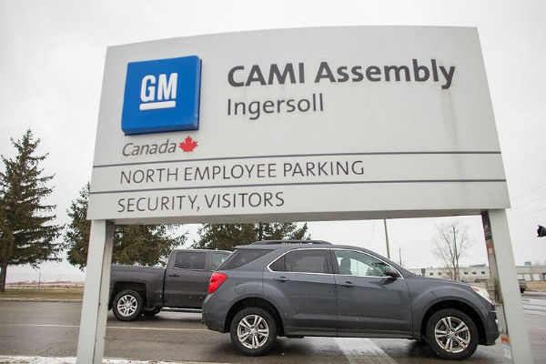 Striking GM CAMI workers awaiting response to weekend contract proposal
