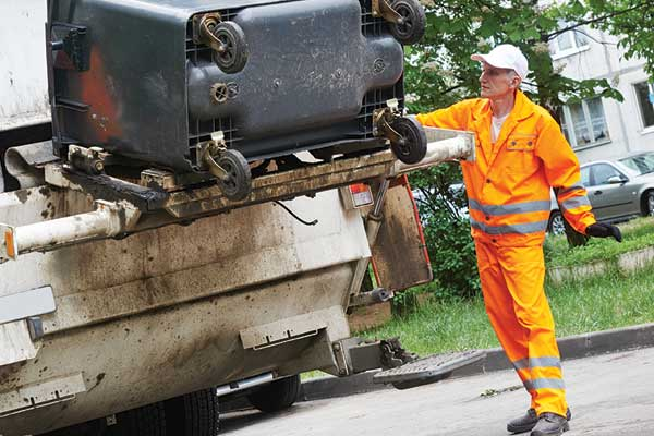 Waste collectors 3 times more likely to be hurt on the job