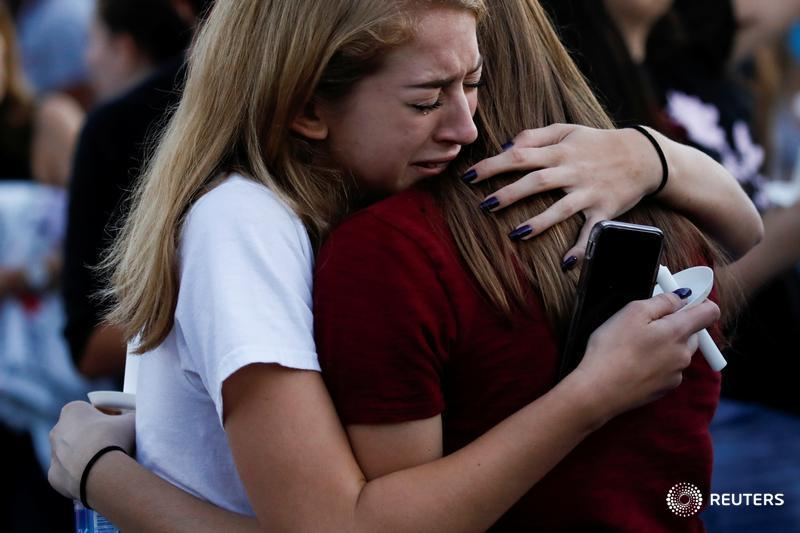Students mourn shooting