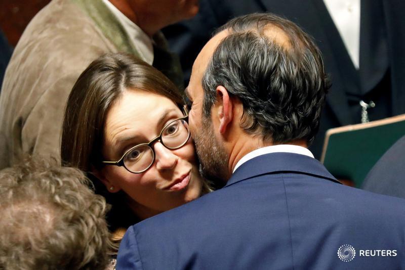 No more kisses canadian hr reporter kiss m4hsunfo