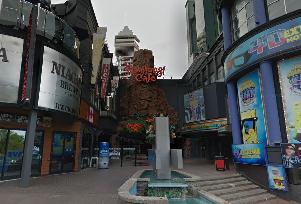 Niagara Falls Rainforest Cafe workers vote to unionize