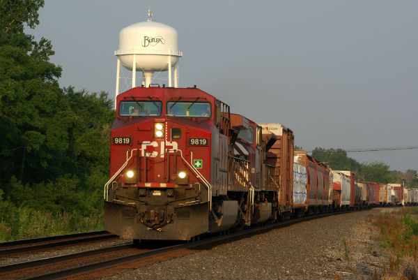 Teamsters, IBEW serve Canadian Pacific with 72-hour strike notice