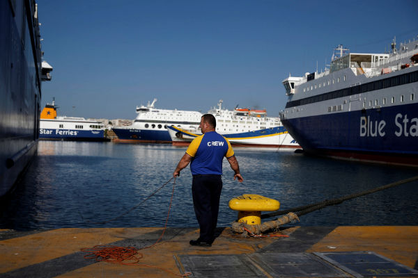 Greek seamen end strike after reaching deal on wage increase