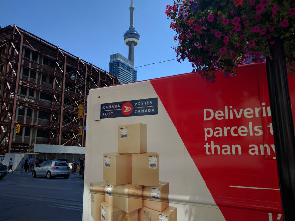 CUPW issues strike notices at Canada Post