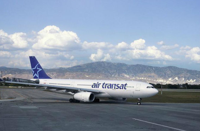 Air Transat flight attendants vote in favour of new agreement