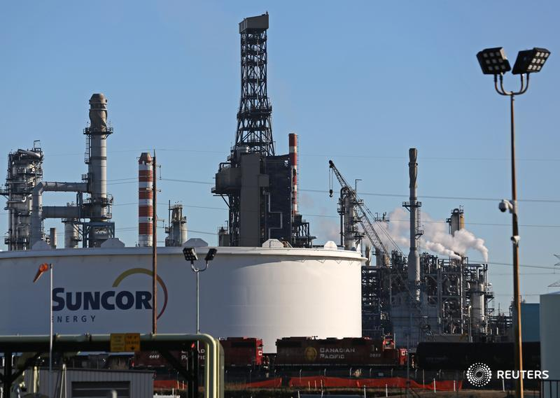 Suncor warns forced provincial oil cutbacks pose safety, operational risks