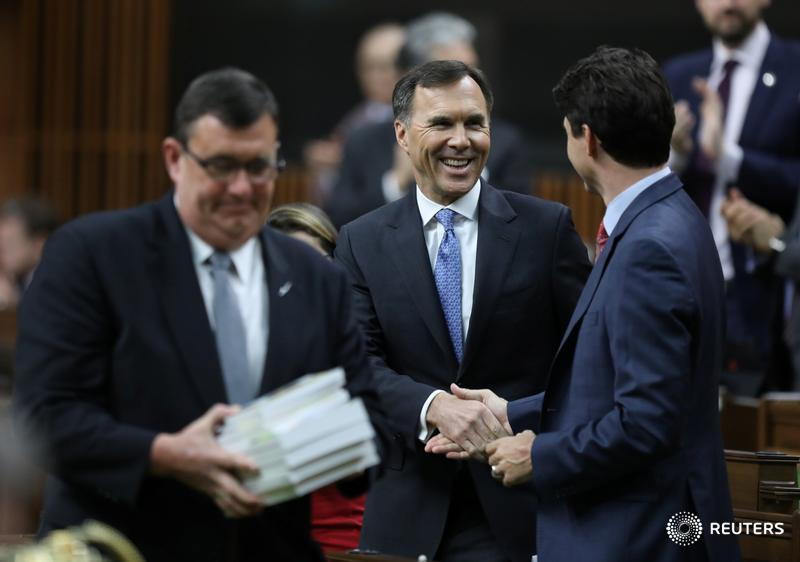 Liberals promise tax credit, EI benefit to help workers