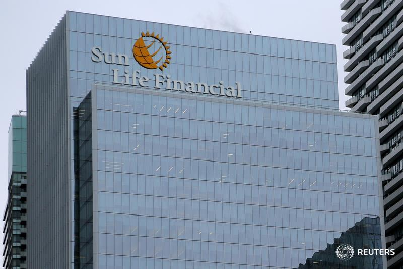 Sun Life launches extended health coverage for transitioning workers