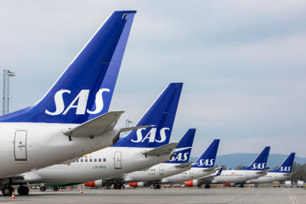 Thousands stranded as SAS pilots go on strike