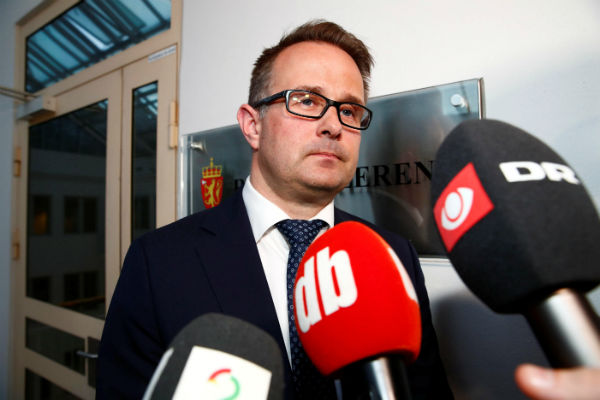 Mediation talks grind on as SAS pilots strike enters seventh day