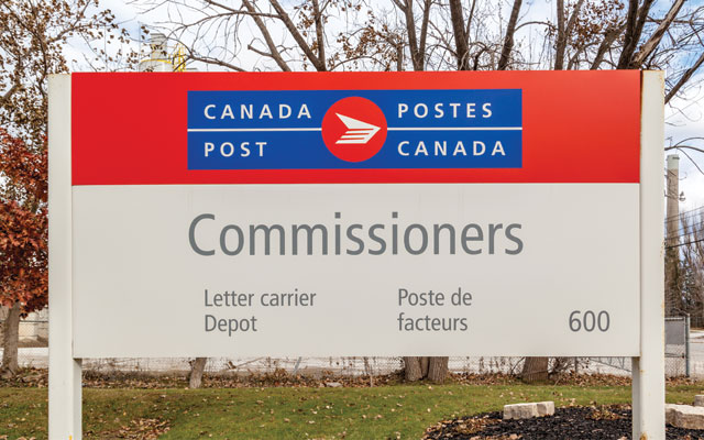 Canada Post worker gets $38,000 for pause in accommodation process