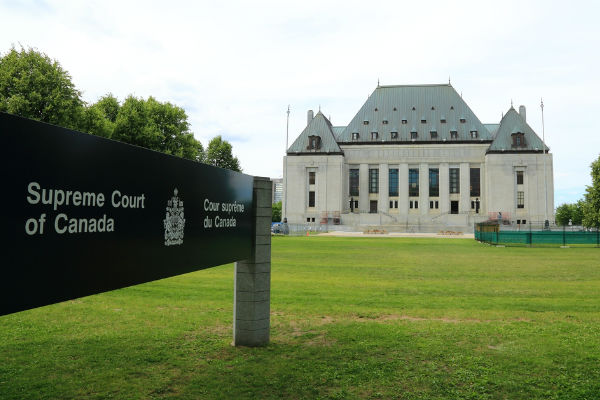 Supreme Court of Canada clarifies contractor vs. employee classification in Quebec franchisee case