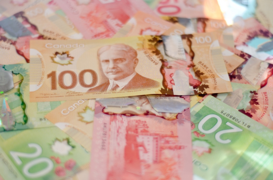 More than half of Canadian employees feel underpaid: survey