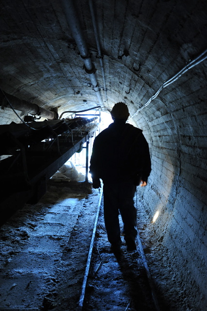 Managing work in confined space